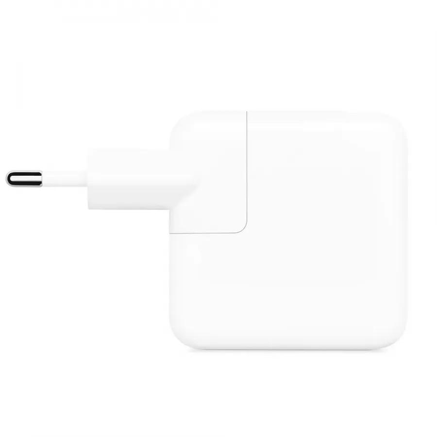 Адаптер питания USB-C мощностью 30 Вт. Вид 1