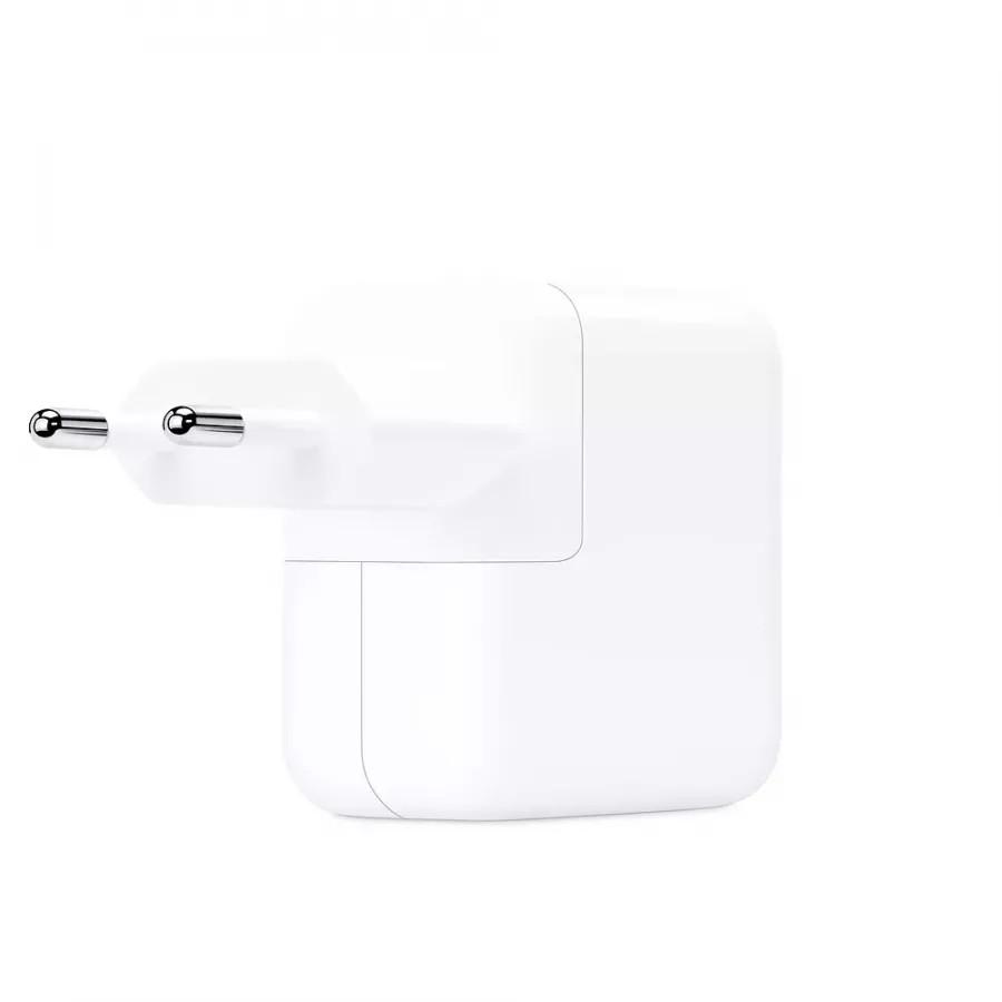 Адаптер питания USB-C мощностью 30 Вт. Вид 2