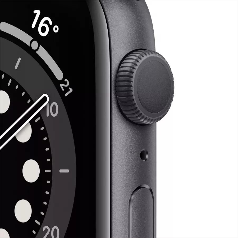 Apple Watch Series 6 44mm, алюминий цвета «серый космос», спортивный ремешок черного цвета. Вид 2
