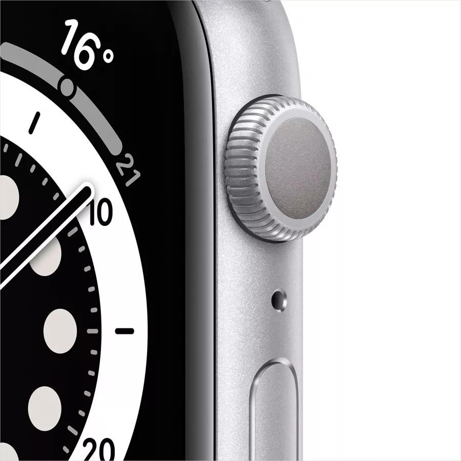 Apple Watch Series 6 44mm, серебристый алюминий, спортивный ремешок белого цвета. Вид 2