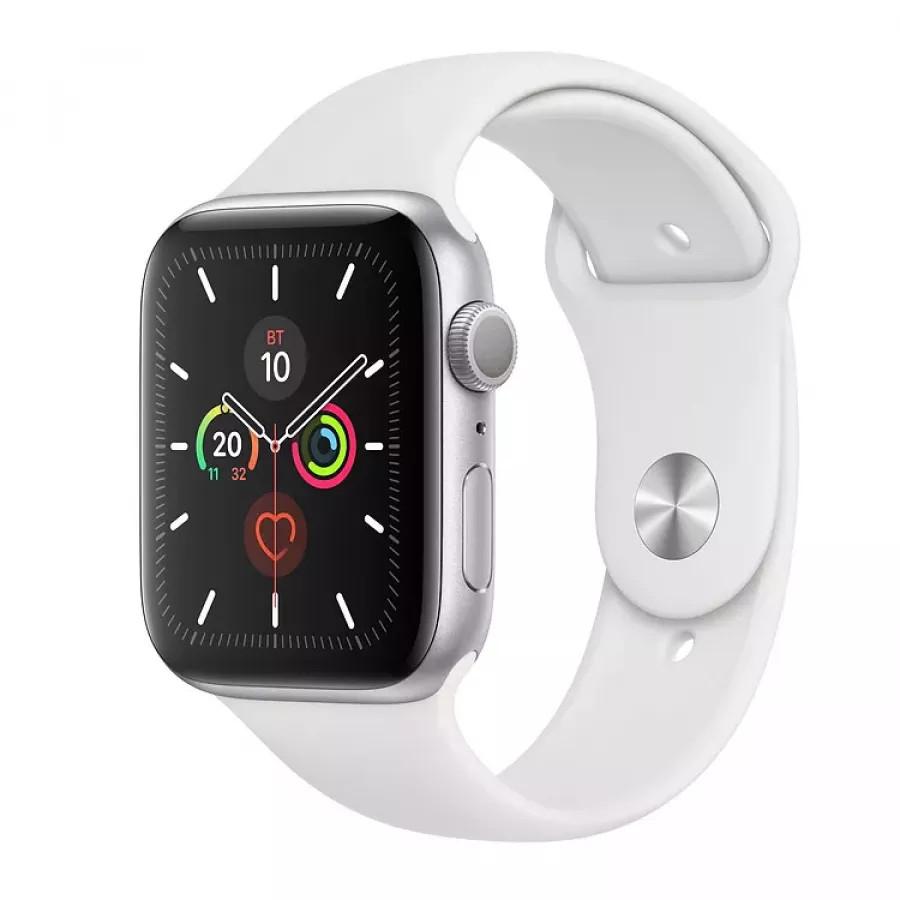 Apple Watch Series 5 44mm, серебристый алюминий, спортивный ремешок белого цвета. Вид 1